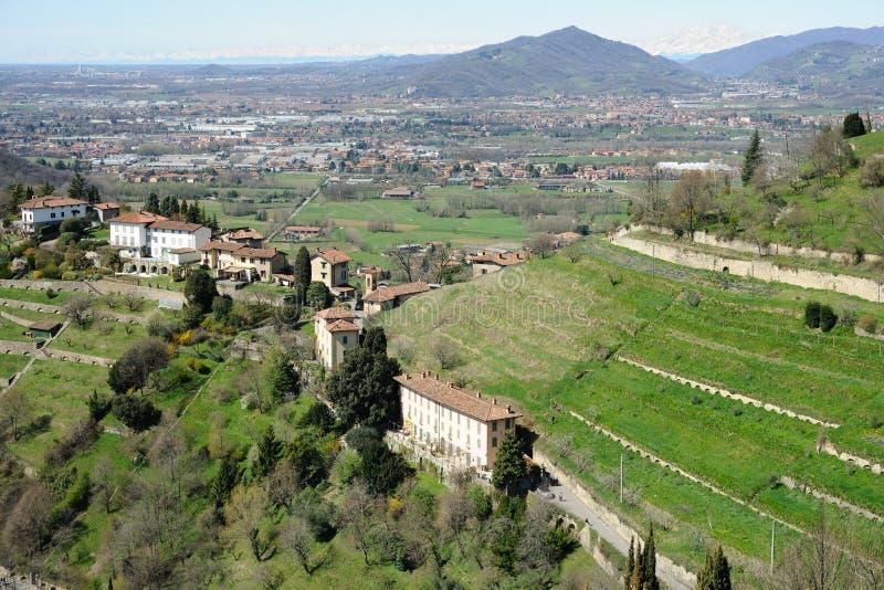 Campo de Lombardía y cercanías de Milano, Italia fotografía de archivo libre de regalías