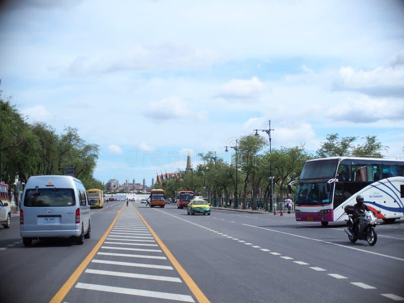 Campo de SANAM LUANG perto do palácio real TAILANDÊS famoso em BANGUECOQUE, TAILÂNDIA imagem de stock