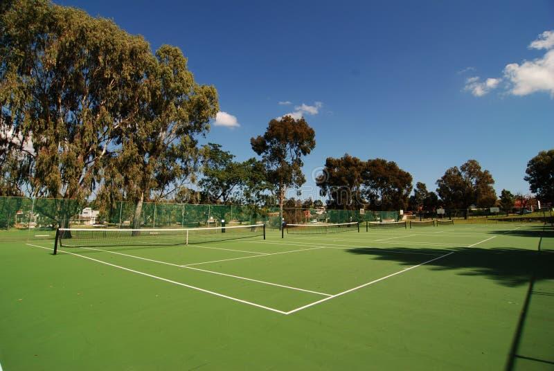 Campo de tenis de par en par fotos de archivo