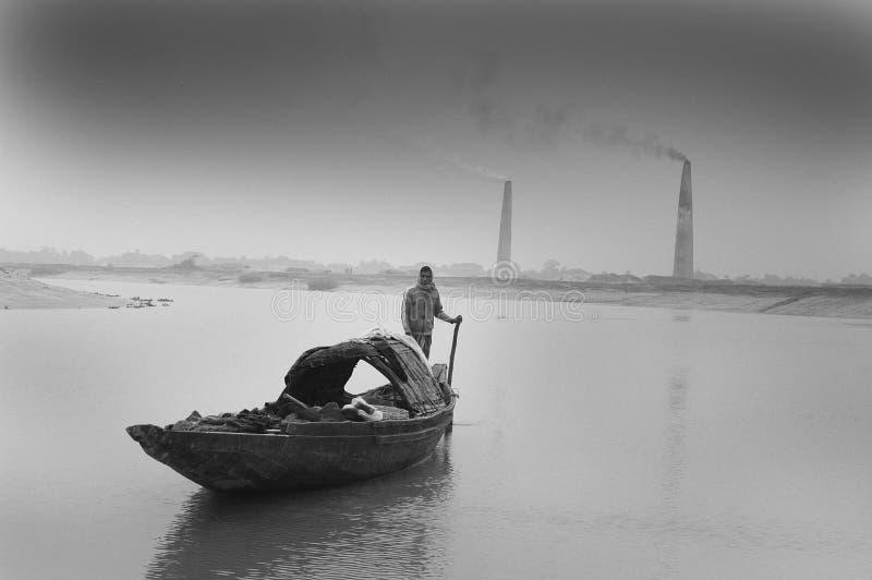 Campo de tijolo em Bengal-India ocidental foto de stock royalty free