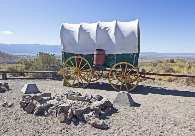 Campo del vagone di Conestoga alla traccia dell'Oregon fotografia stock libera da diritti