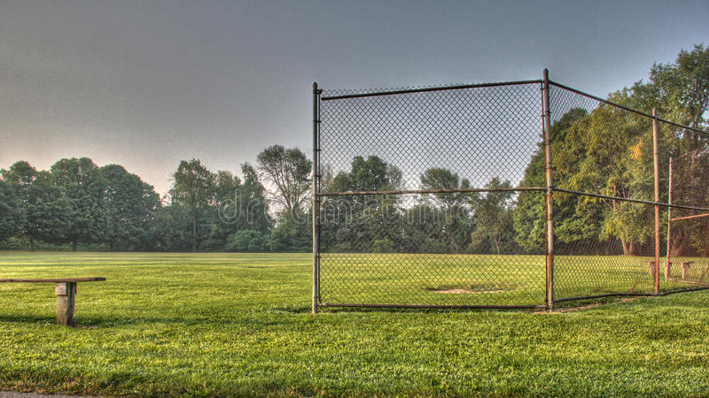 Campo di baseball o di softball della gioventù fotografia stock