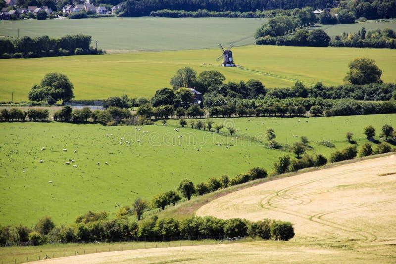 Campo do inglês do moinho de vento de Pitstone imagens de stock