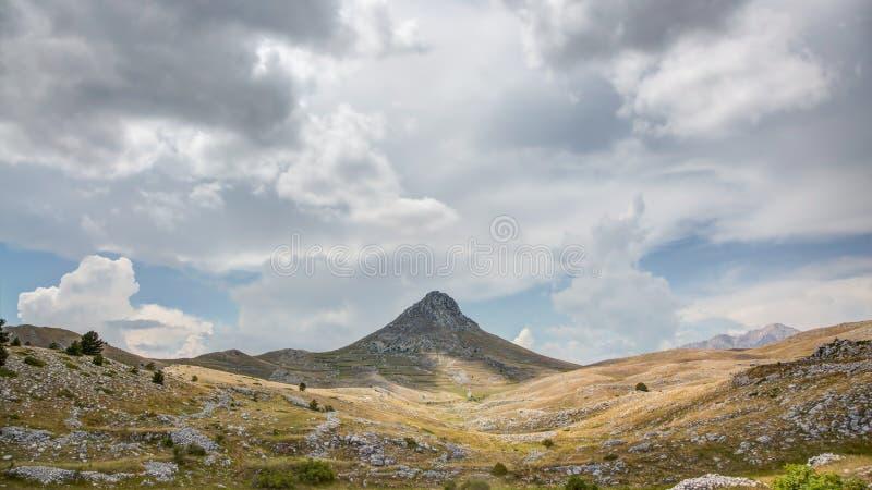 Campo Imperatore pustkowie, Abruzzo, Włochy zdjęcie royalty free