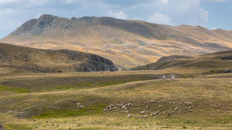 Campo Imperatore pustkowie, Abruzzo, Włochy fotografia stock