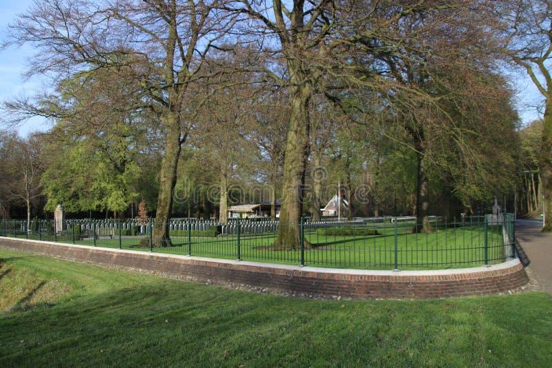 Campo militar da honra Grebbeberg onde as soldas holandesas caídas no primeiro dia da guerra mundial 2 são enterradas fotografia de stock