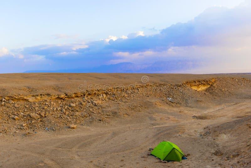 Campo nel deserto nell'Egitto fotografie stock