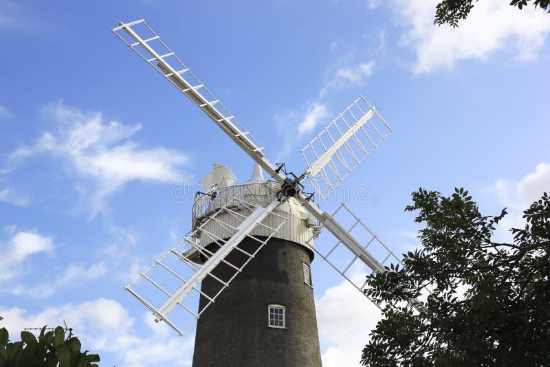 Campo norte Inglaterra de norfolk do moinho de vento fotografia de stock royalty free