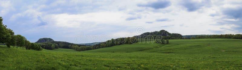 Campo panoramico di rotolamento immagine stock