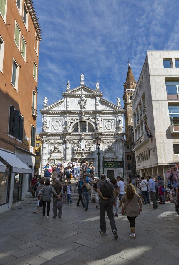 Campo San Moise und Chiesa di San Moise in Venedig, Italien lizenzfreie stockfotos