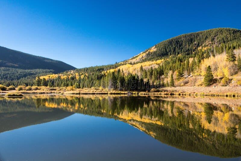 Campo sano cerca de Ski Cooper Water Reflection fotografía de archivo libre de regalías
