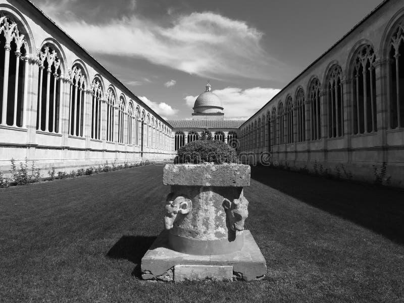 Campo Santo (cemitério monumental) em Pisa imagem de stock