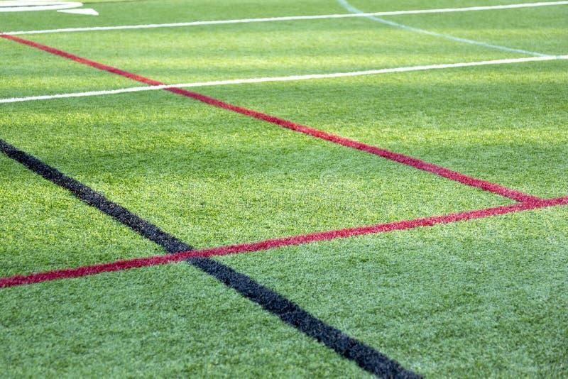 Campo sportivo con le linee di frontiera fotografia stock libera da diritti