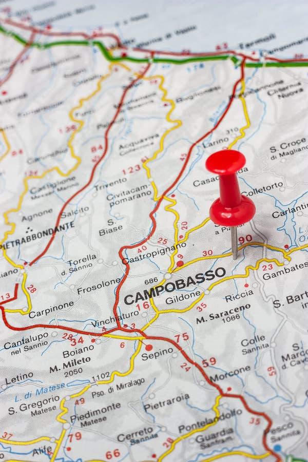 Campobasso op een kaart van Italië wordt gespeld dat stock afbeeldingen