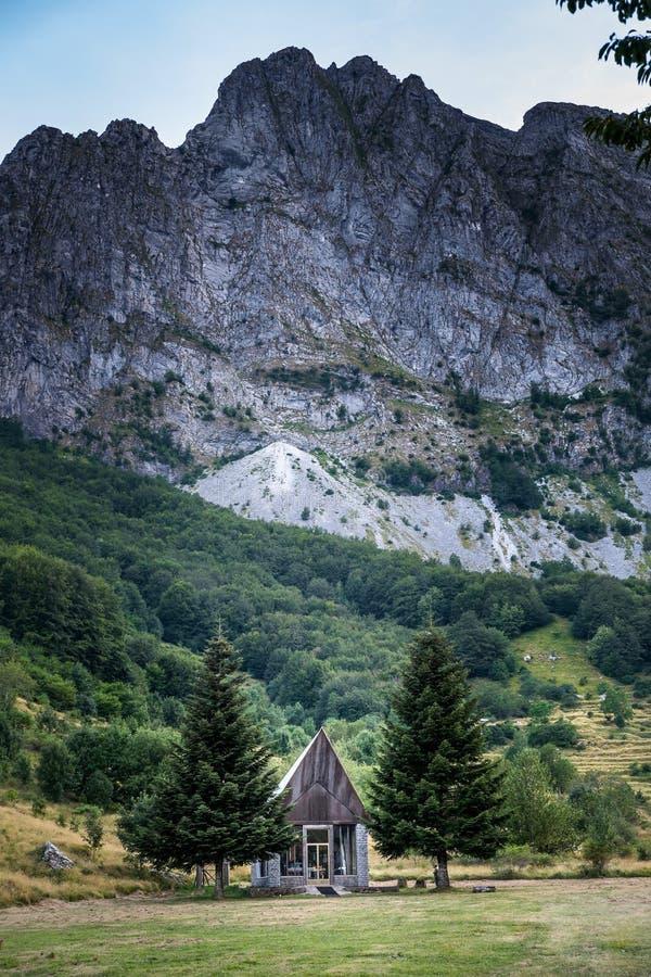 Campocatino près de lac Vagli, Toscane, Italie photographie stock