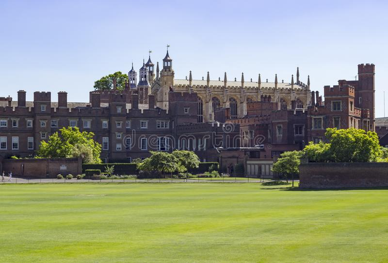Campos da faculdade de Eton e construção e capela fotografia de stock royalty free