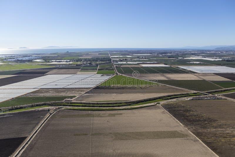 Campos de exploração agrícola arados Camarillo aéreo Califórnia foto de stock royalty free