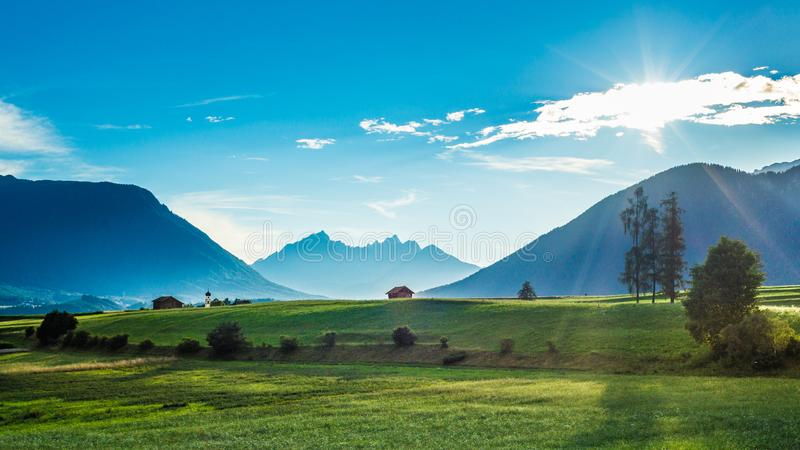Campos de Fietch em Sonnenplateau, Áustria foto de stock royalty free