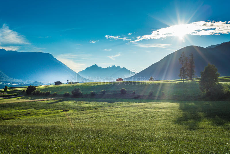 Campos de Fietch em Sonnenplateau, Áustria foto de stock