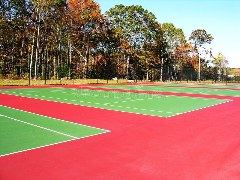 Campos de tenis imagen de archivo libre de regalías
