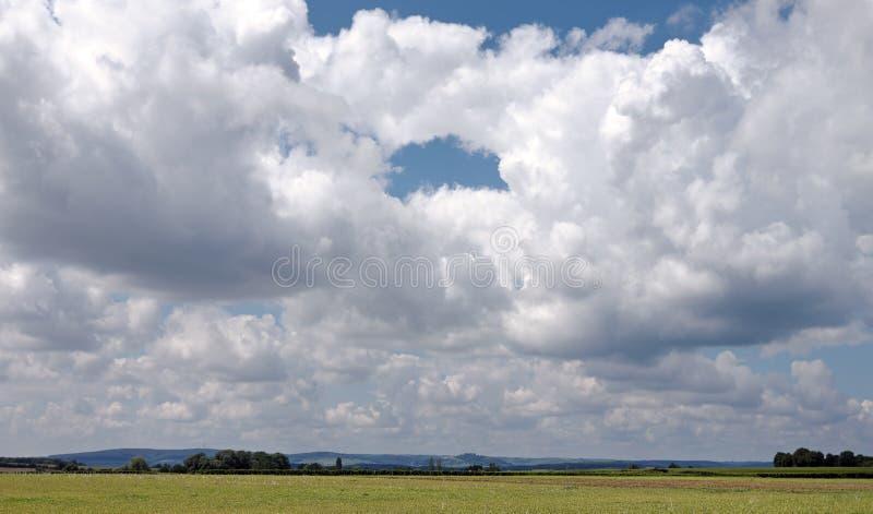 Campos de trigo en el valle del Loira imagen de archivo libre de regalías