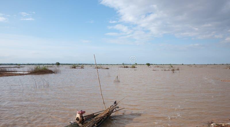 Campos inundados do arroz em Cambodia fotografia de stock