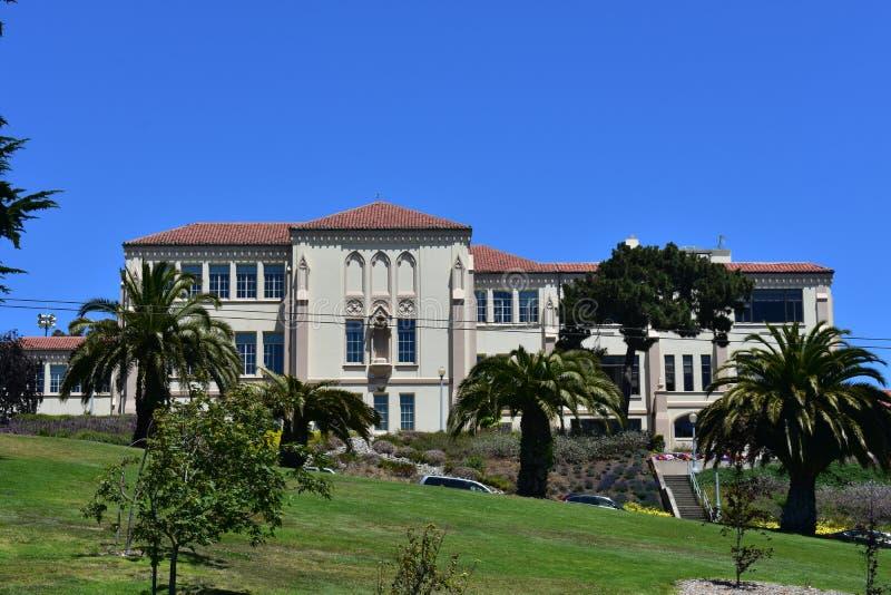 Campus solitaire de montagne d'université solitaire de montagne, 4 image libre de droits