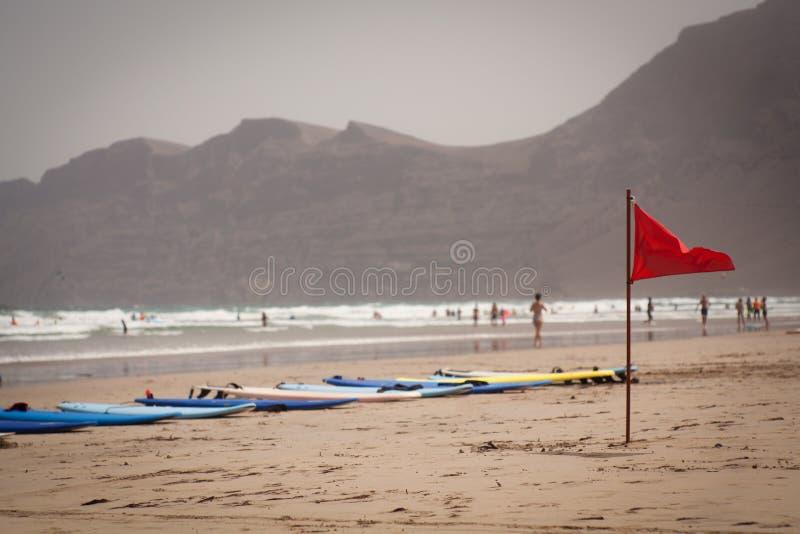 Canário de Lanzarote da praia de Famara fotografia de stock royalty free