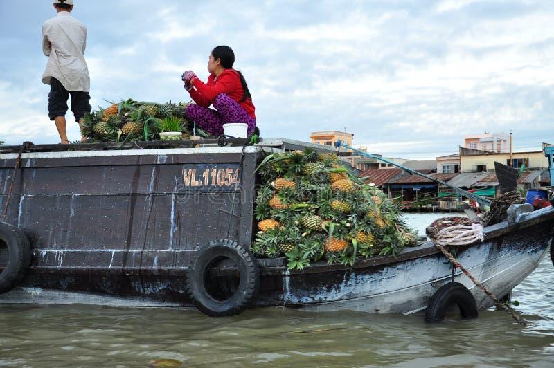 Can Tho, Vietnam Bateaux du marché dans le delta du Mékong photo libre de droits