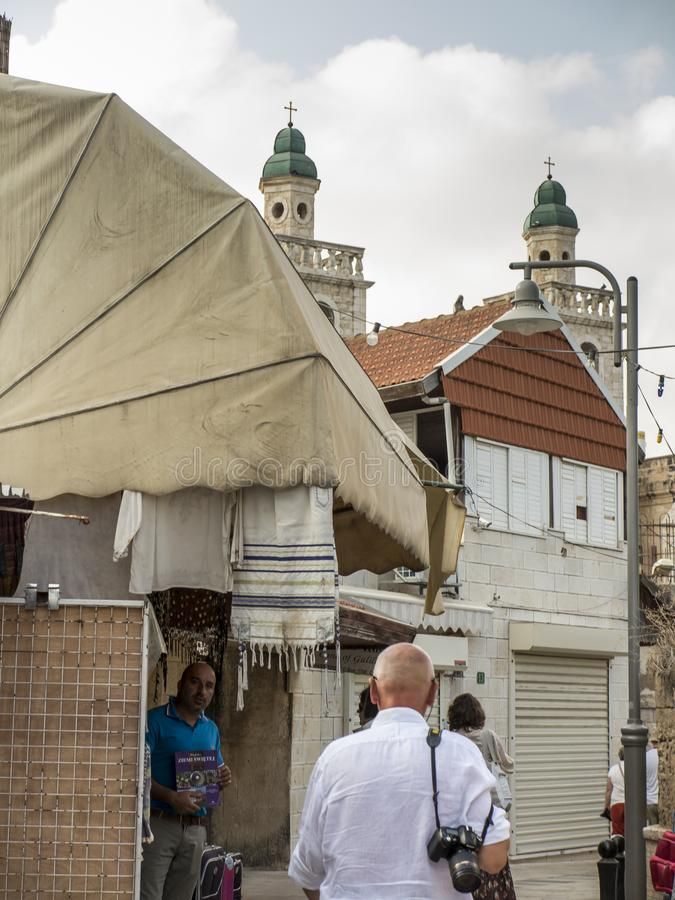 Cana, Izrael, 8 2015 Lipiec: Kościół Jezus «pierwszy cud Pary przychodzić odnawiać ich ślubnych ślubowania od po na całym świecie zdjęcia stock