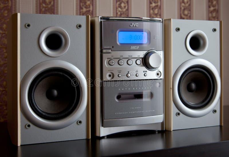 CANADÁ, ONTARIO 14 de abril de 2019 - Mini Stereo System componente compacto audio JVC fotos de archivo libres de regalías