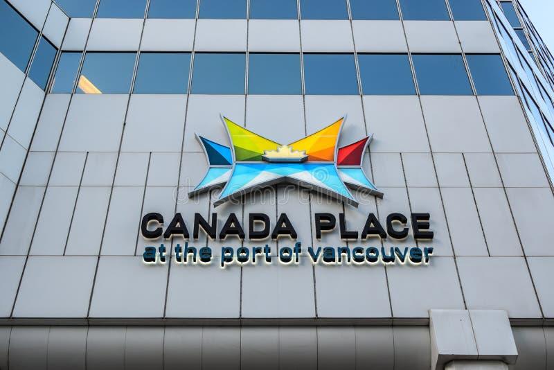 Canada Place bij de Haven van de Overeenkomstcentrum van Vancouver - van Vancouver en de Haven van het Cruiseschip stock afbeelding