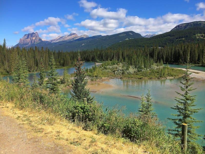 Canadense opinião excitante de Montanhas Rochosas - lago imagens de stock royalty free