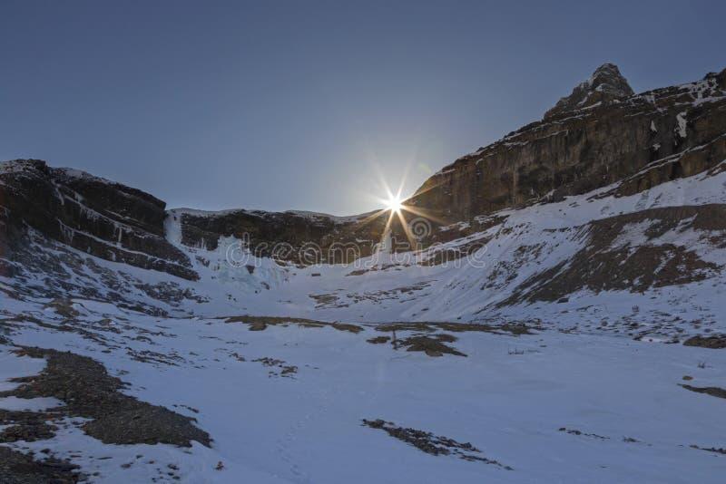 Canadese Montagne Rocciose Springime del parco di Ridge Landscape Sunset Banff National della montagna di effetto dello sprazzo d fotografia stock