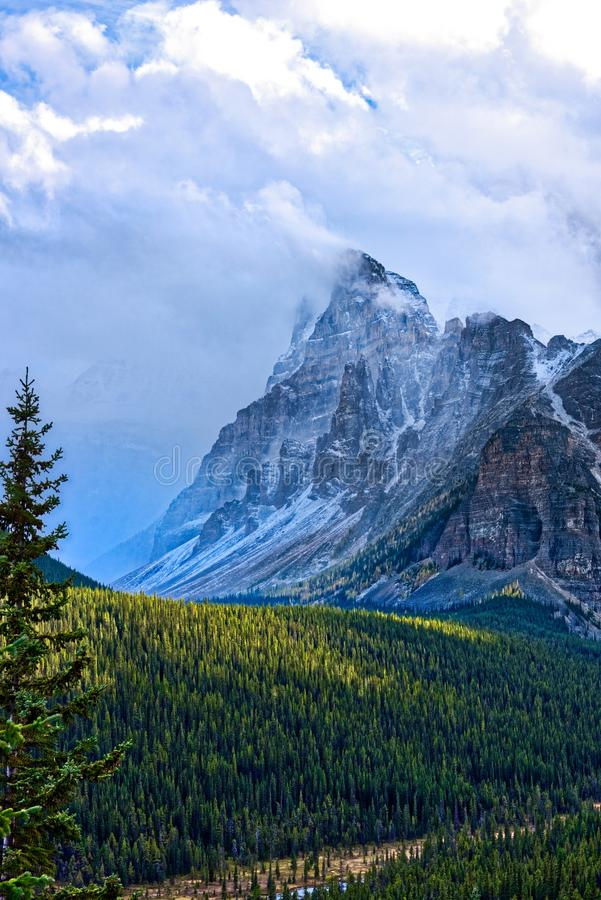 Free Canadian Rockies Royalty Free Stock Photography - 103881277