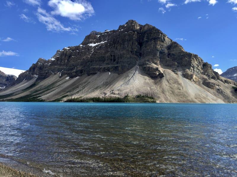 Canadiense Rocky Mountain en el lago bow fotografía de archivo libre de regalías