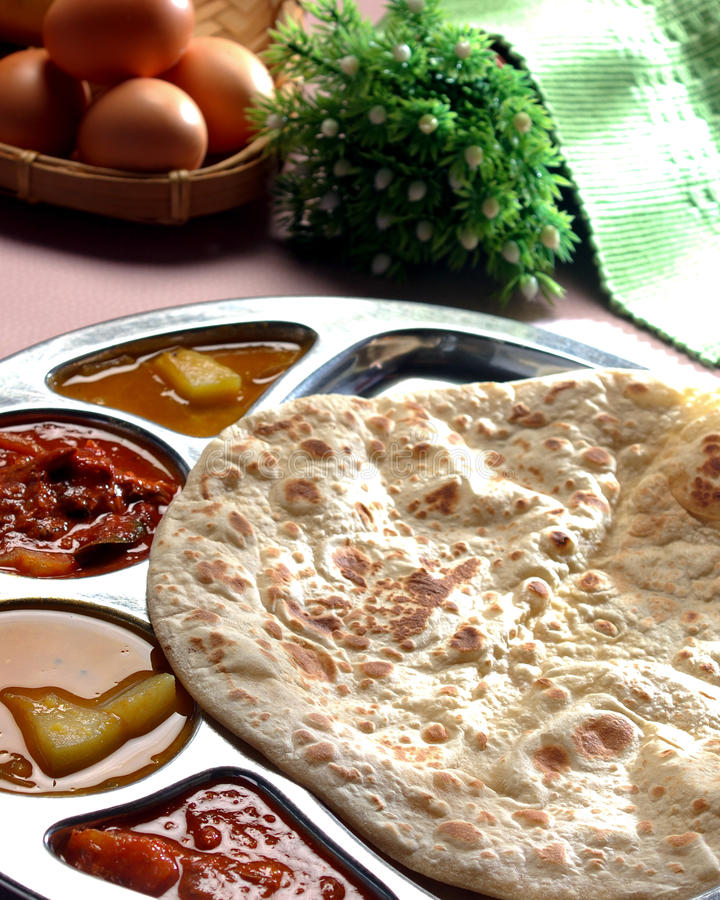 Canai Roti, tisu roti, на юг индийский зажаренный хлеб стоковые фото