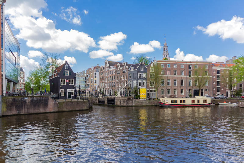 Canais de Amsterdão, capital dos Países Baixos fotos de stock