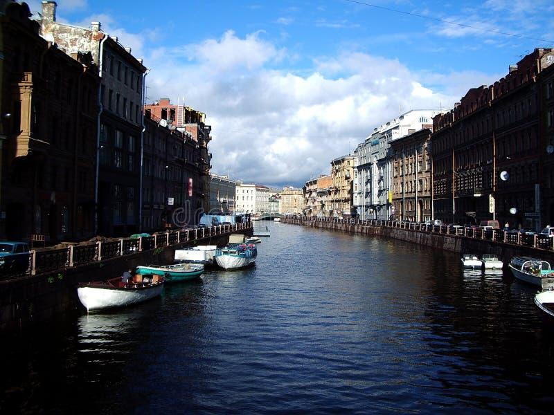 Download Canais de St Petersburg imagem de stock. Imagem de canal - 113787