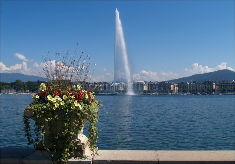 Canalón de agua de Ginebra imágenes de archivo libres de regalías
