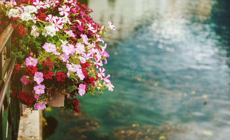 Canal à Annecy photos libres de droits