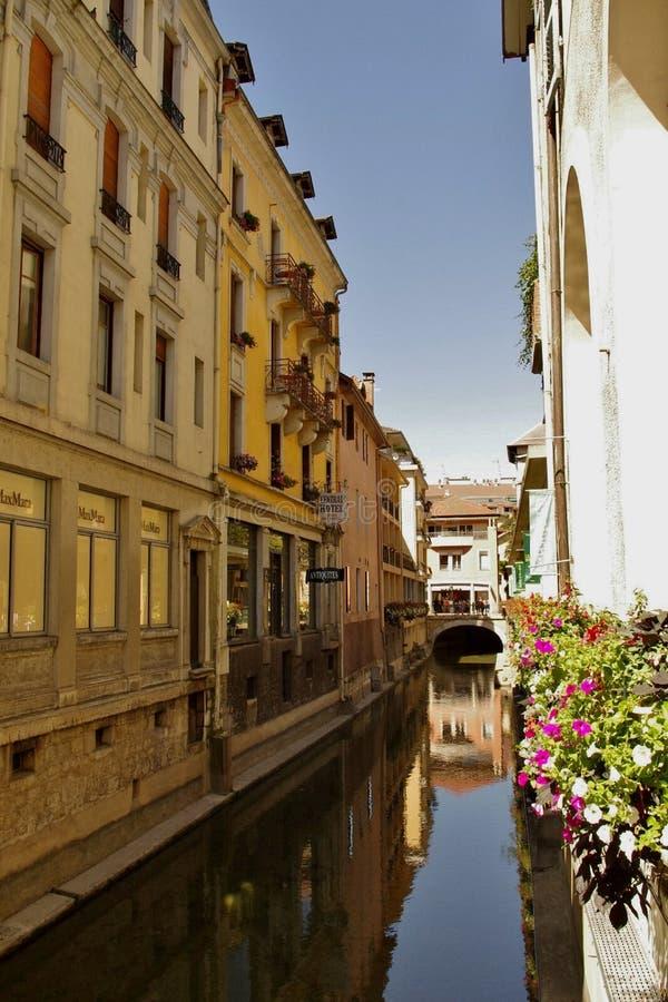 Canal, Annecy, França foto de stock