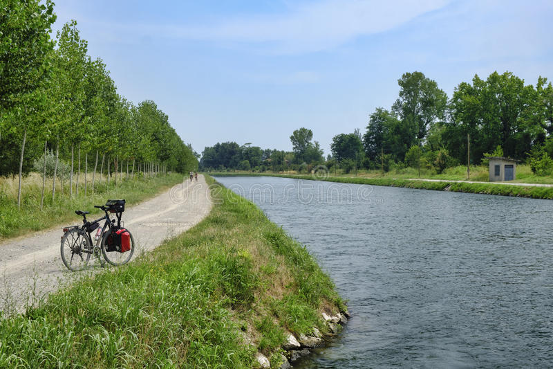 Canal Bacchelli Crémona, Lombardía, Italia imagen de archivo