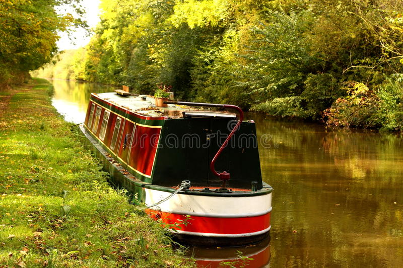 Download Canal barge stock photo. Image of barge, path, mooring - 21301038