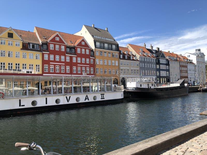 Canal da beleza em Copenhaga imagens de stock royalty free