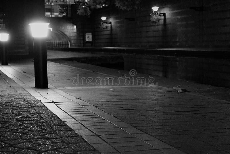 Canal da caixa postal de Birmingham na noite fotografia de stock