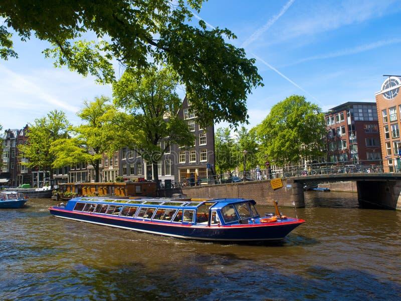 Canal de Amsterdam imagen de archivo libre de regalías