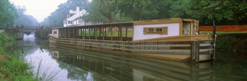 Canal de C&O et bateau de canal photo stock