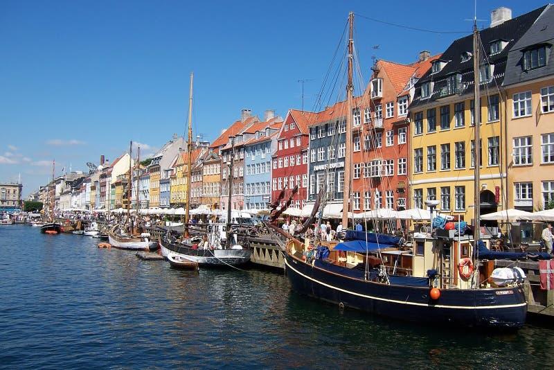 Canal de Copenhague, barcos. imagenes de archivo