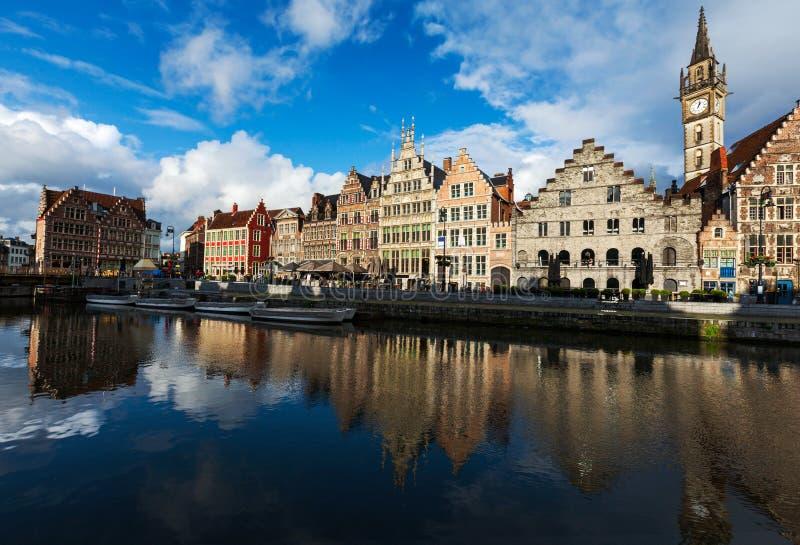 Download Canal De Ghent E Rua De Graslei. Ghent, Bélgica Imagem de Stock - Imagem de lighting, europa: 29847973